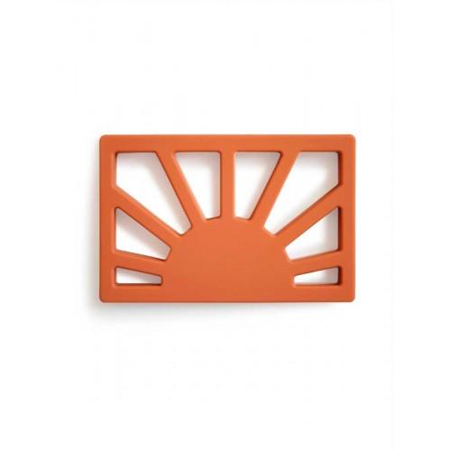 """MUSHIE silikoninis kramtukas """"Sun"""" (Clay)"""